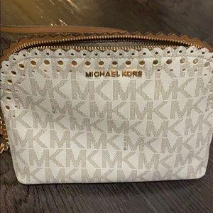 Cross body Michael Kors bag. Perfect condition.